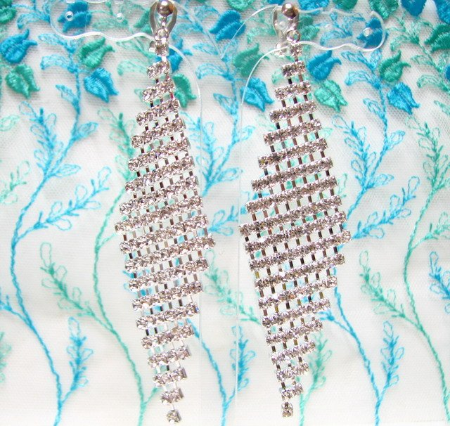 *FREE SHIPPING* E922s Rhinestone Silver plated Clip On Earrings 9.5cm