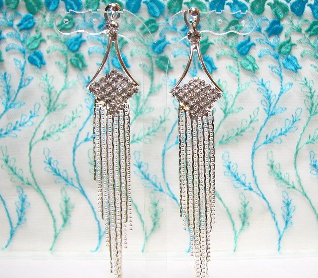 *FREE SHIPPING* E926s Rhinestone Silverly Fringes Clip On Earrings 12cm