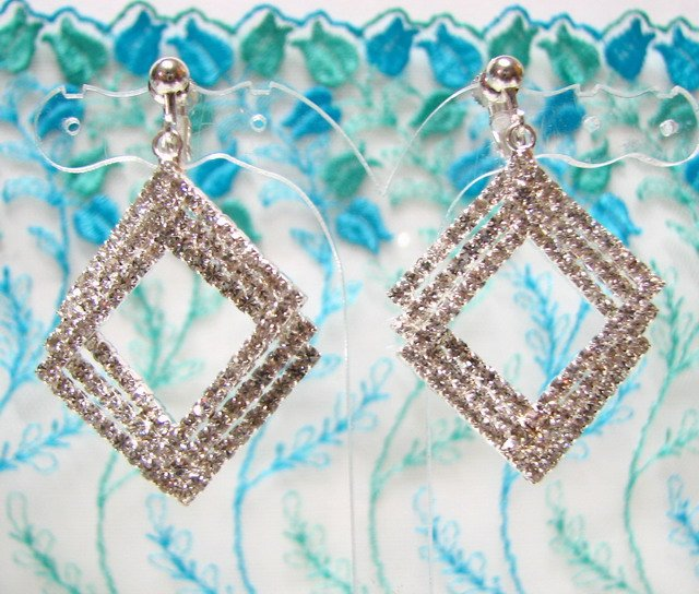 *FREE SHIPPING* E933s Rhinestone Rhombus Silverly Clip On Earrings 5cm