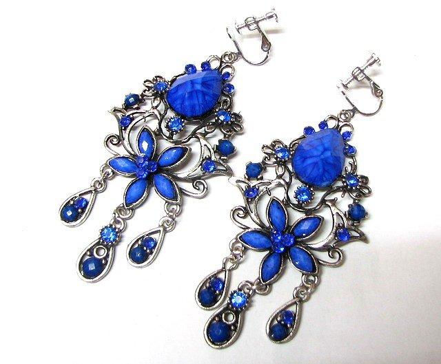 *FREE SHIPPING *E1681 Beautiful Blue Dangle Floral Clip On Earrings 8cm