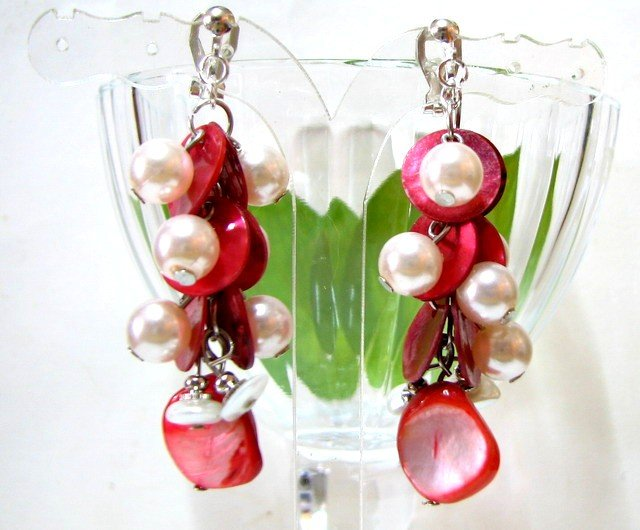 *FREE SHIPPING* E439 Pink Shell Dangle Clip On Earrings 6cm Charming!