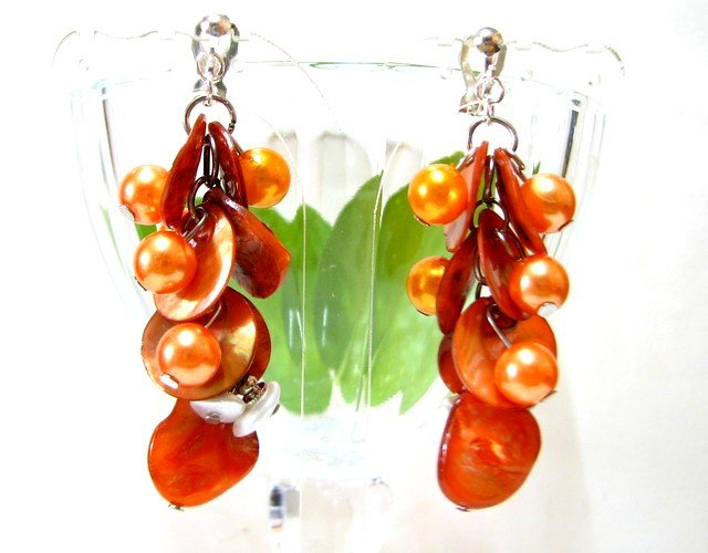 *FREE SHIPPING* E445 Shell & Beads Orange Dangle Clip On Earrings 6cm
