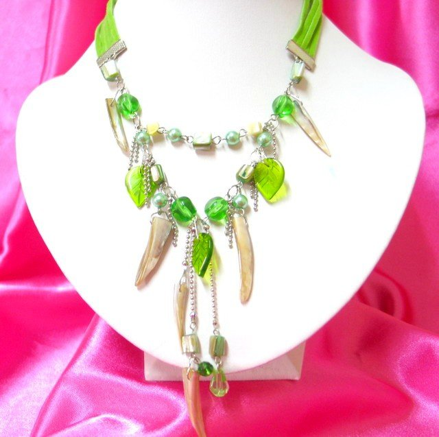 *FREE SHIPPING*NB403 GLASS SHELL & BEADS DANGLE NECKLACE 18inches