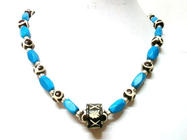 *FREE SHIPPING*NA1003 ETHNIC JEWELRY YAK BONE blue NECKLACE 18 in.
