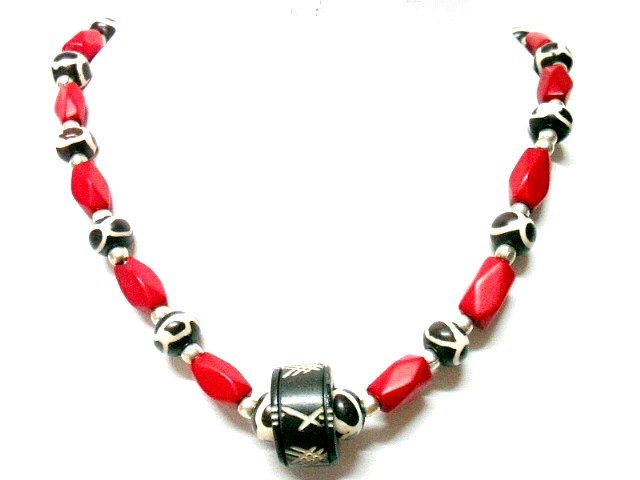 *FREE SHIPPING*NA1005 ETHNIC JEWELRY YAK BONE RED NECKLACE 18 in.