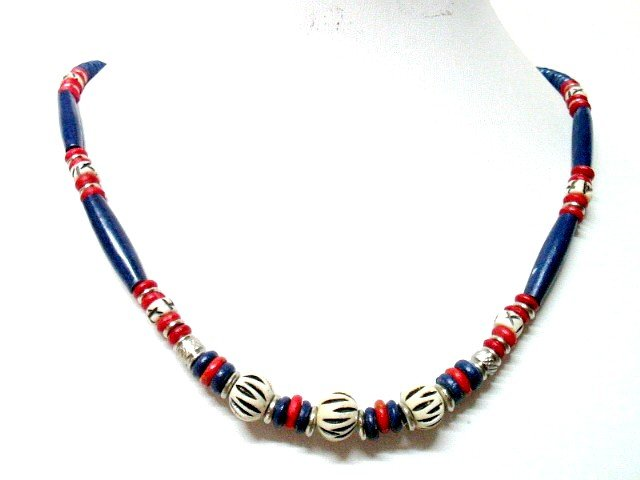*FREE SHIPPING*NA1006 ETHNIC JEWELRY YAK BONE BLUE NECKLACE 18 in.