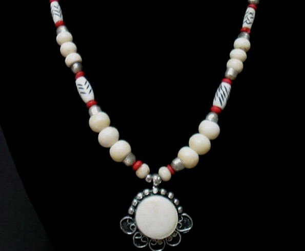 FREE SHIPPING ~ NA1015 ETHNIC JEWELRY PENDANT NECKLACE 20 in.