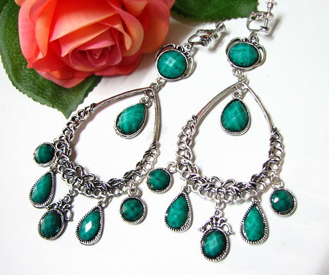 E1653 Charming Green Exotic Clip On Earrings 11cm Huge! ~ FREE SHIPPING~