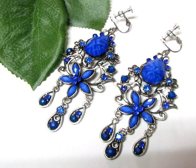 ~FREE SHIPPING~E1681 Beautiful Blue Dangle Floral Clip On Earrings 8cm