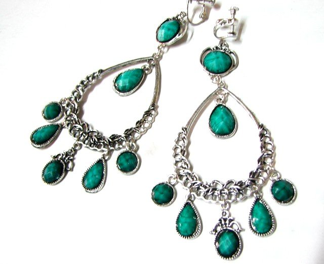 E1653 Charming Green Exotic Clip On Earrings 11cm *Free Shipping*