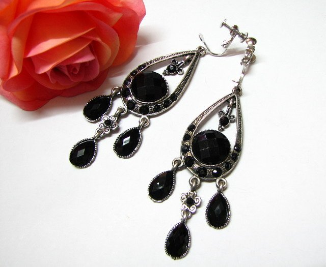 E1661 Rhinestone Black Exotic Clip On Earrings 8cm