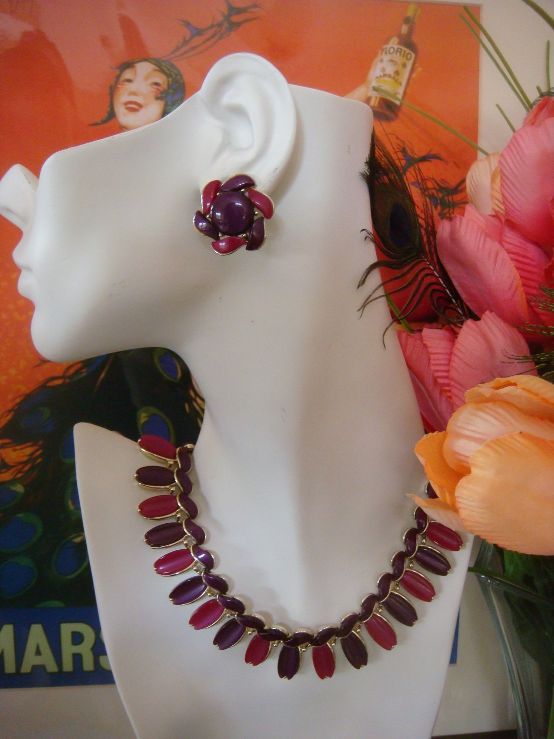 Vintage Lisner Necklace & Earrings Set ~ Thermoset in Fuchsia & Purple