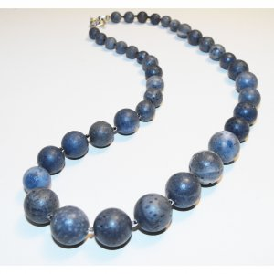 Pacific Coral Necklace (blue)