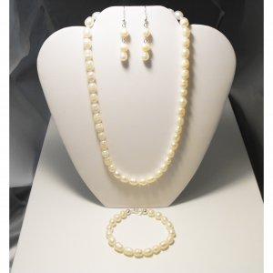 Pearl Necklace Tri Set