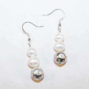 Freshwater Pearl Earrings (w)