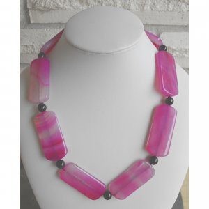 Purple/Red Veins Agate Necklace