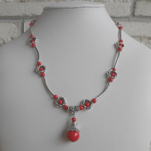 Coral And Flower Beaded Necklace