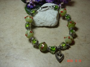 green lamplight  glass bead pet necklace size 10