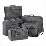 LUXURIOUS LUGGAGE SET  Retail: $299.95