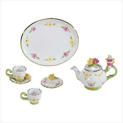 FAIRY MINI TEA SET  Retail; $12.95
