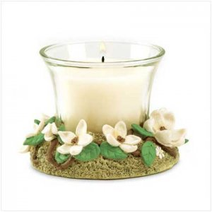 MAGNOLIA CANDLE   Retail; $7.95