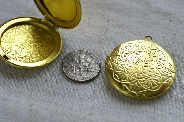 Large Solid Brass Round Locket Charms Pendant 36x32mm b42 (1pcs)