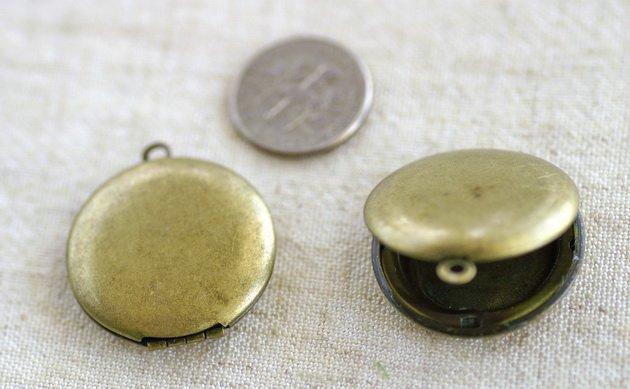 3pcs Antique Bronze Plated Brass Round Locket Charm pendant 25mm b66b