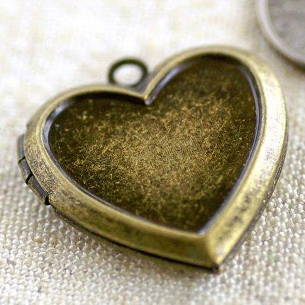 4pcs Antique Bronze Plated Brass Heart Charms Locket Pendant b67b