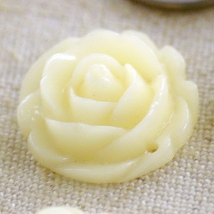 Ivory Flower Bead Cabochon Finding Embellishments 16mm p201 p201i (4pcs)