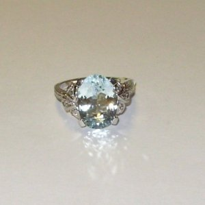 RING AQUAMARINE AND DIAMONDS SET IN 14K WHITE GOLD NEW SIZE 8
