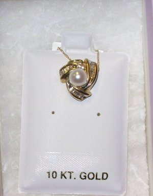SLIDE PENDANT CULTURED PEARL AND DIAMONDS SET IN 10K YELLOW GOLD GENUINE FROM THE EARTH