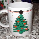 CHRISTMAS COFFEE MUG 1993 CHRISTMAS TREE WITH RED HEARTS GOLD TRIM CERAMIC