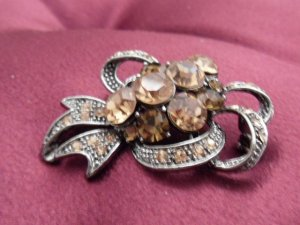 Deep Champagne Austrian Crystals with Chrome Ribbon Brooch Costume Jewelry