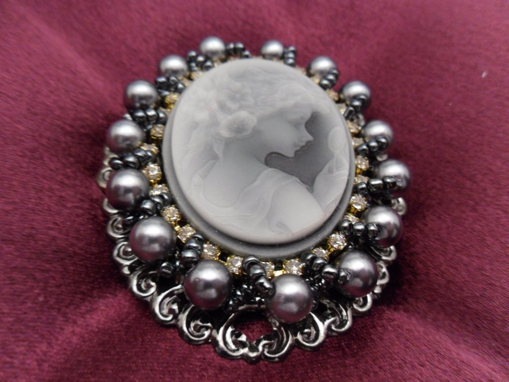 Large Cameo Brooch Costume Jewelry
