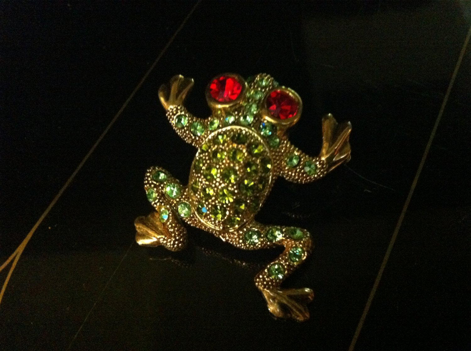 Red Eyed Tree Frog Brooch Costume Jewelry