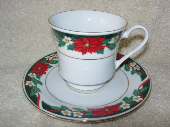 Christmas Teacup & Saucer ~ Tienshan Deck the Halls