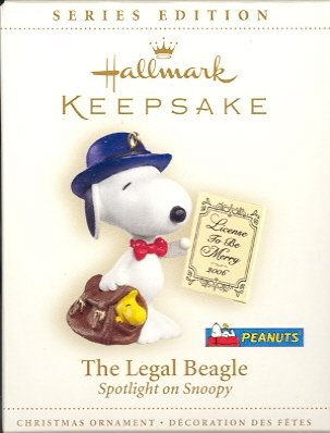 Hallmark Ornament ~ The Legal Beagle 2006 ~ Peanuts Snoopy