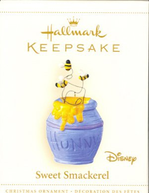Hallmark Ornament ~ Sweet Smackerel 2006 ~ Winnie the Pooh