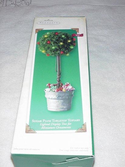 Hallmark 2002 Sugar Plum Tabletop Topiary ~ Lighted
