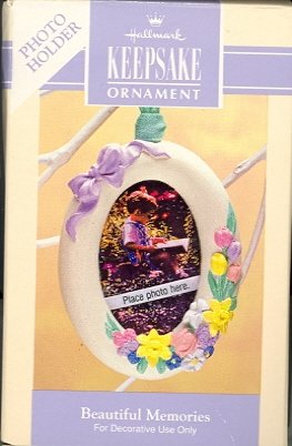 Hallmark Spring Ornament ~ Beautiful Memories 1993 ~ Photo-holder