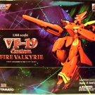 Yamato Macross 7 VF-19 Custom Fire Valkyrie 1/60 Scale Transformable Figure