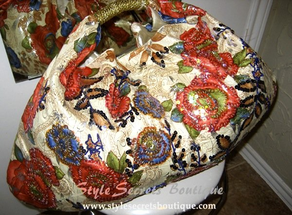 ABSOLUTE STUNNING CREAM BEADED FLORAL HANDBAG WITH GOLD HANDLES