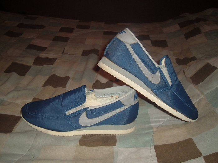 extremely rare 1984 nike slip on sneakers!!!!! sz.9.5 mens