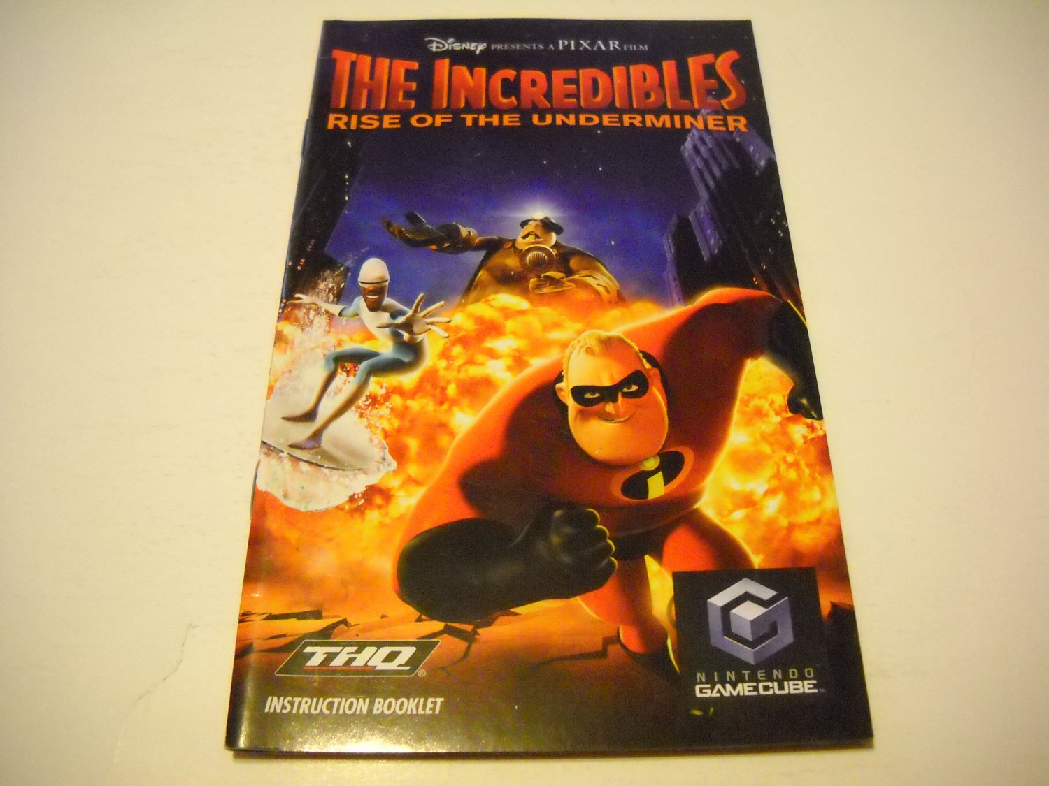 Manual ONLY ~  for The Incredibles   Gamecube
