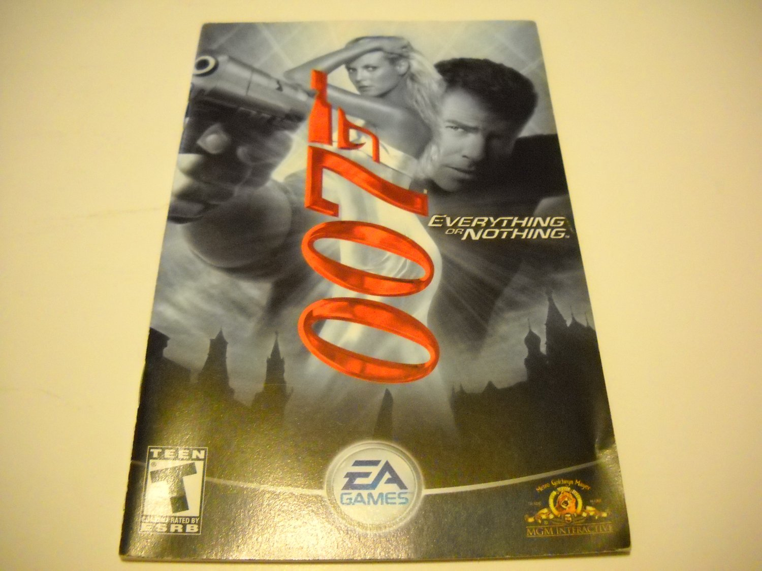 Manual ONLY ~  for 007 Everything or Nothing   Ps2