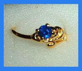 Beautiful Round Blue SAPPHIRE CZ & Ocean Wave Design Gold Tone Ring