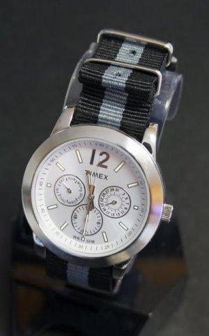 Black and Gray One Stripe 20mm James Bond Nato Nylon Watch Strap