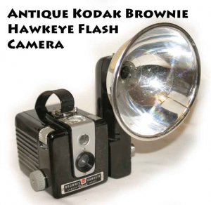 !SOLD! Antique Kodak Brownie Hawkeye Flash Camera