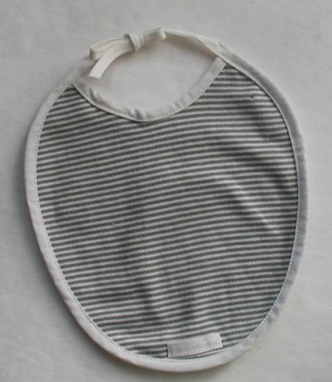 SUCETTE Antimicrobial Cotton Bib, Grey. Imported.