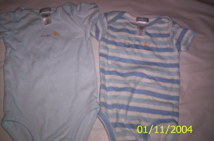 2 Carter's Newborn Onesies (Blue and White)Newborn 5-7lbs